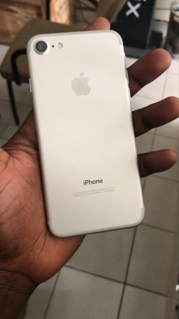 iphone-doctor-all-kind-of-iphone-is-available-at-the-best-price-big-4