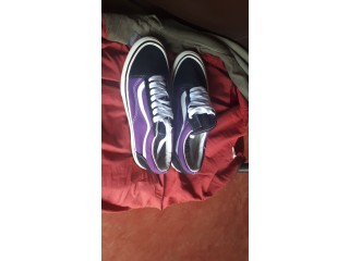 I do sell shoes and caps which are affordable of quality and cheap some are new stuffs and others friperie ie second hand