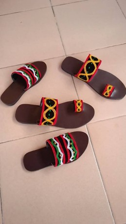 toghu-sandals-and-slippers-for-sell-big-0